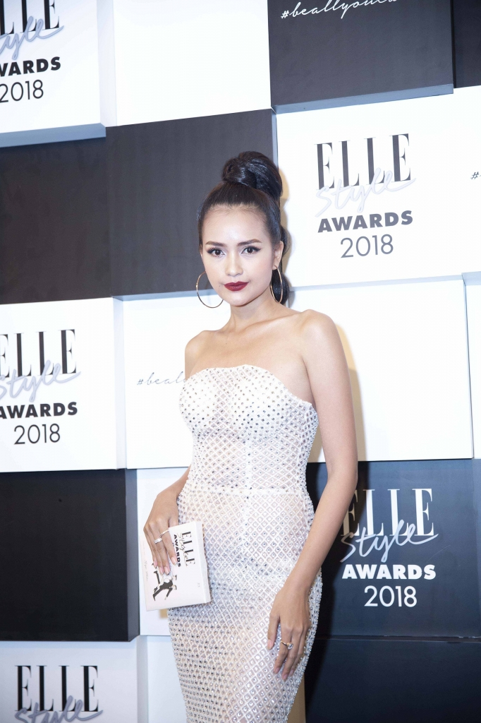 dan next top do sac cung nhau tren tham do elle style awards