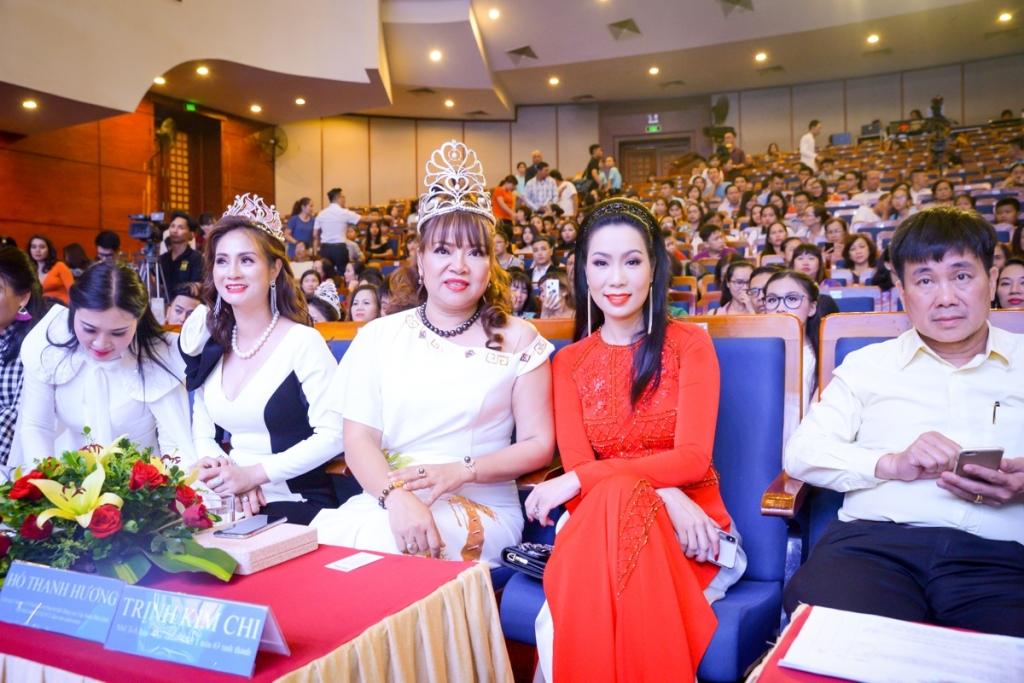 a hau nsut trinh kim chi chung tay mang yeu thuong den cho tre em bat hanh