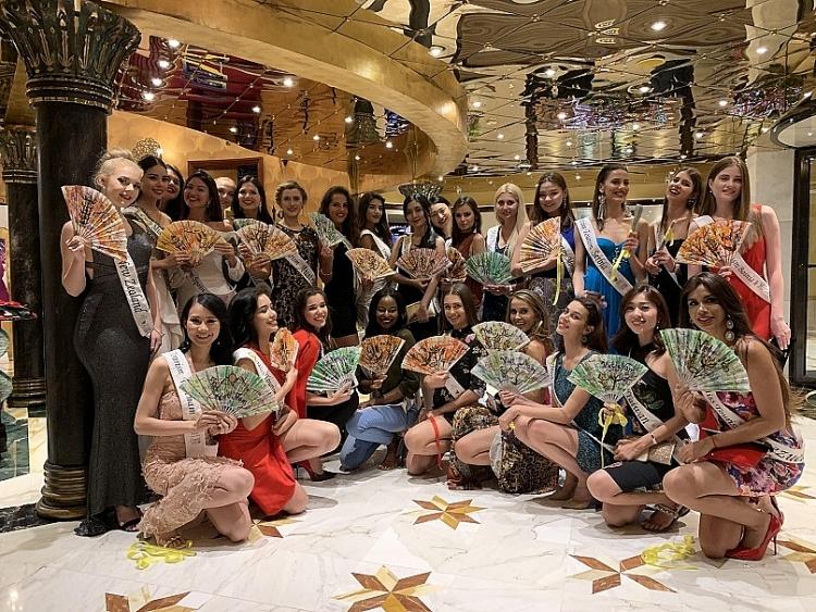 pham lan anh lot vao top 4 tai cuoc thi hoa hau du lich the gioi 2019