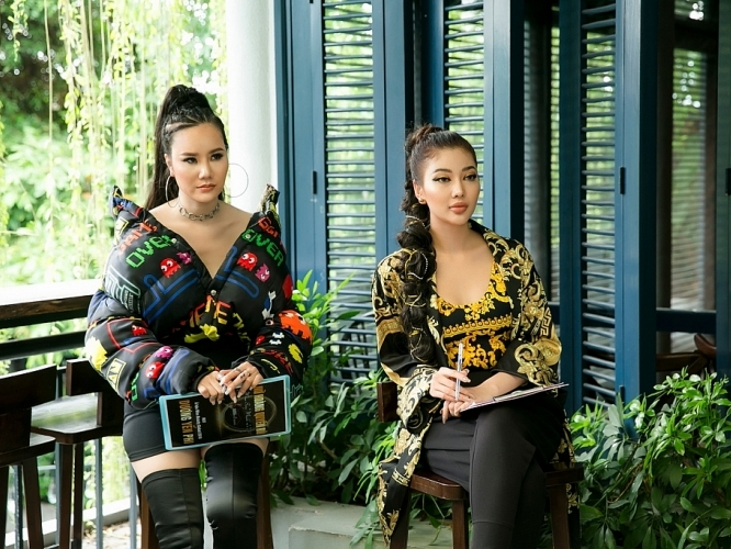 miss fashion trang le noi bat khi ngoi ghe nong miss sexy model 2019
