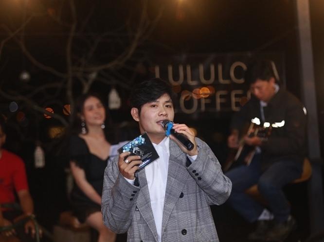nguyen van chung hanh phuc voi chung acoustic thanh cong tai da lat