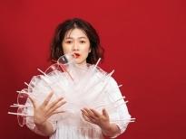 Oanh Kiều tung bộ ảnh 'Why me – The plastic' hưởng ứng ngày môi trường thế giới