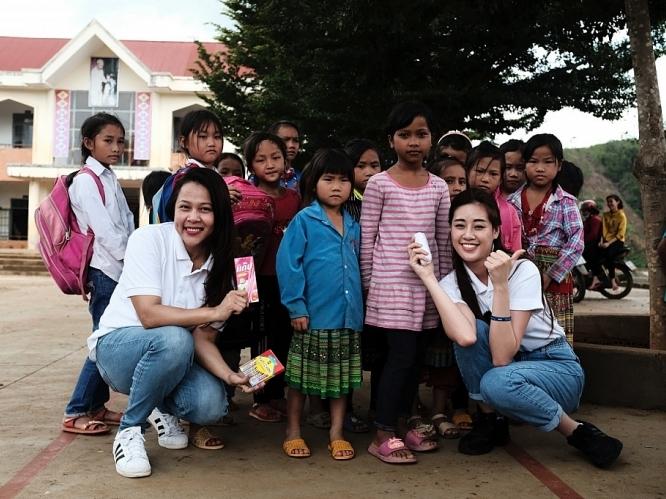 Hoa hậu Khánh Vân cùng ngôi nhà OBV trao hơn 500 phần quà cho học sinh tạiĐắk Nông