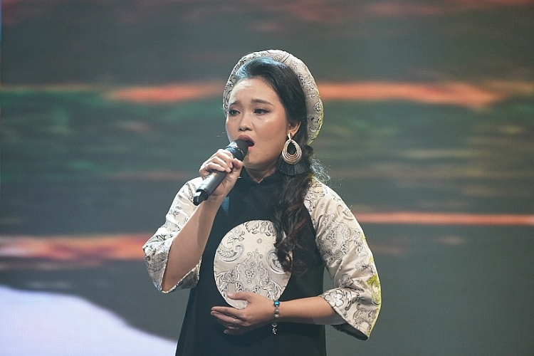 danh ca giao linh cam can nay muc cung mr dam tai tieng hat vang sol