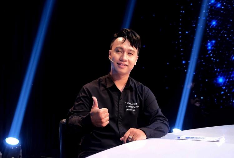 co hoi den chinh phuc duoc doanh nhan thu hoai nu tai xe cong nghe gay xuc dong voi mon qua sieu to khong lo danh cho chong