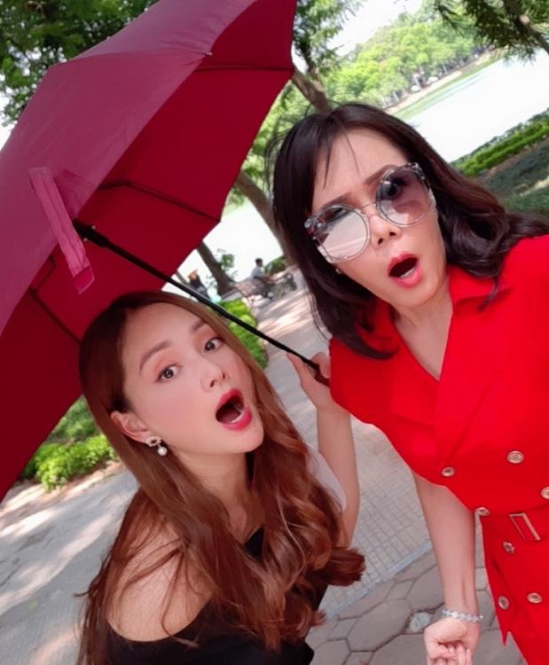 lan phuong cung viet huong huynh dong dien tinh tay ba trong web drama moi