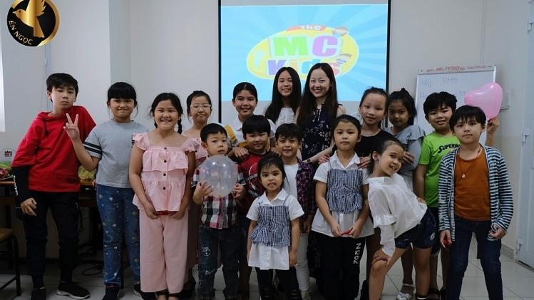 'Én vàng 2015' Lê Đình Minh Ngọc đầu tư tâm huyết cho Học viện đào tạo nghệ thuật