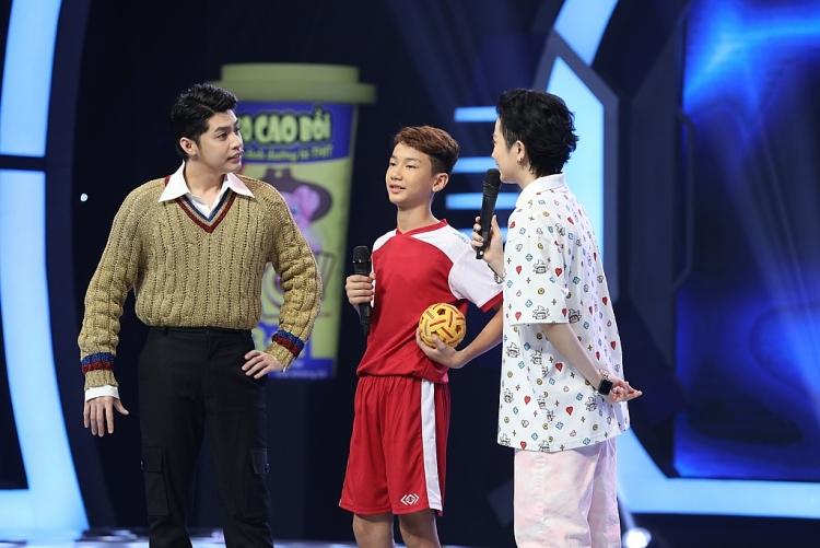 'Siêu tài năng nhí': Xuất hiện 'thần đồng đu dây' được Hari Won tuyển thẳng vào bán kết