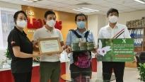 MC Quyền Linh cùng CLB Hoa Lan ủng hộ 2,2 tỷ đồng cho quỹ 'Triệu liều vaccine cho công nhân nghèo'