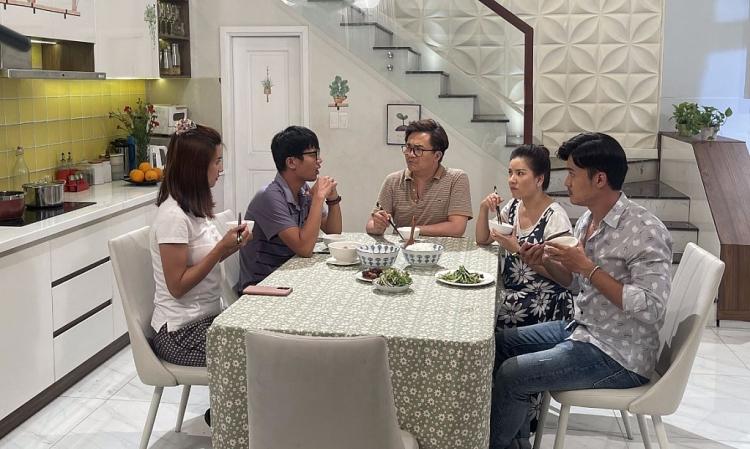 Mẹ bỉm sữa Kim Tuyến 'đau đầu' khi rơi vào 'tình tay ba' với Quang Tuấn và Trường Thịnh