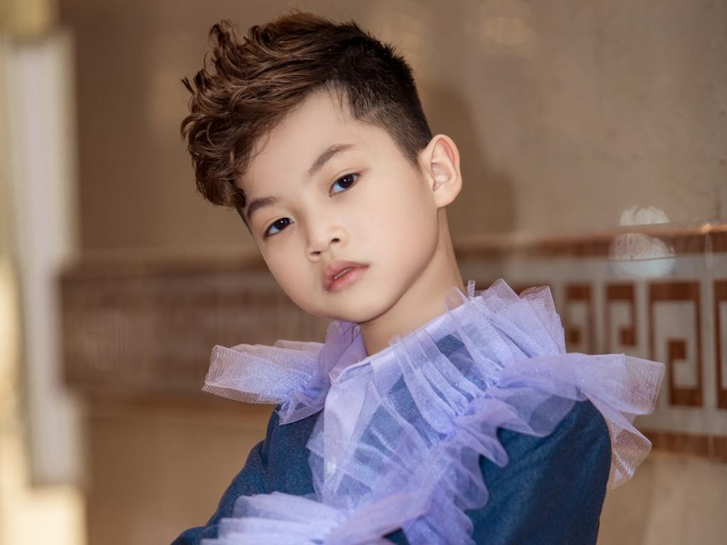'Nam thần nhí' Phong Thiên hóa thân con trai Ngọc Sơn nhảy hiphop, khoe vũ đạo chuyên nghiệp trong MV mới