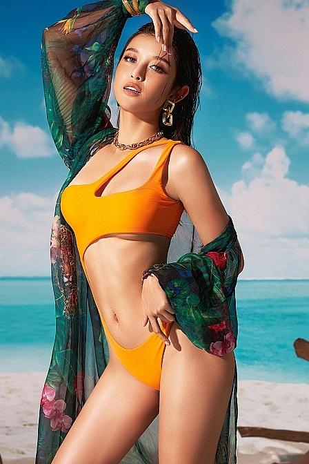 Ngắm cơ bụng săn chắc cùng đôi chân dài thẳng tắp của Á hậu Huyền My trong lần hiếm hoi khoe ảnh bikini