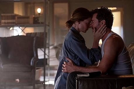 Đầy bí ẩn khi Hugh Jackman lần theo dấu vết ký ức trong trailer mới của 'Hồi sinh ký ức'