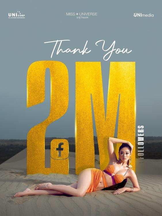 Mừng fanpage đạt 2 triệu người theo dõi, Khánh Vân tung bộ ảnh nóng hổi trên đồi cát, khoe eo thon, chân dài miên man