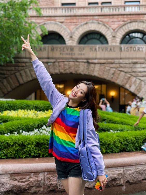 Thông báo sắp về Việt Nam, Hoa hậu Khánh Vân còn vừa làm điều này để ủng hộ cộng đồng LGBTQ+