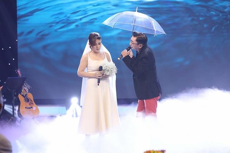 'Hoàng tử mưa bụi' Đình Văn rơi nước mắt trước tình cảm của khán giả 'Dấu ấn huyền thoại'