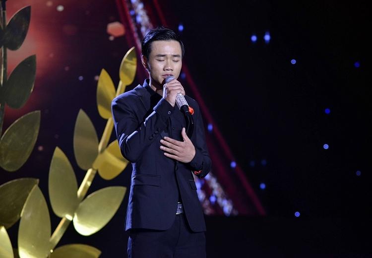 Đàm Vĩnh Hưng tự nhận mình là 'người điên' hát Bolero