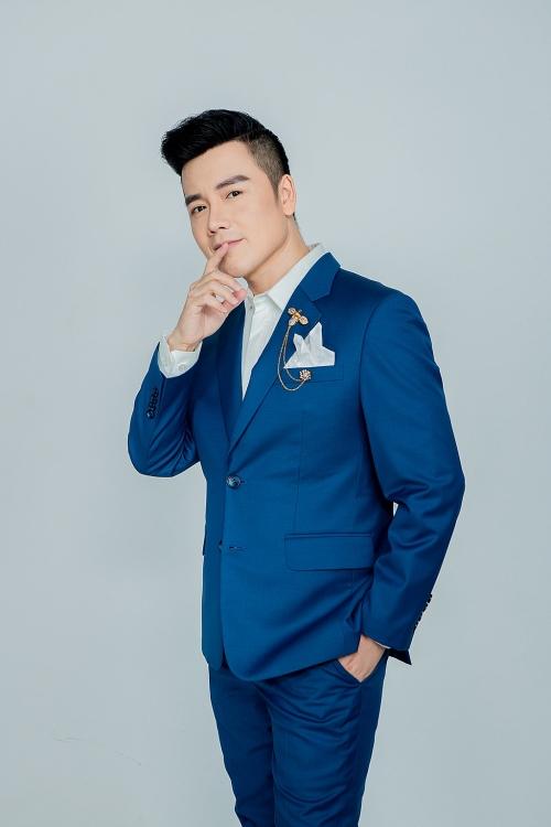 Ra mắt album Bolero 'Song ca tuyệt sắc', Nguyễn Hoàng Nam và Tina Ngọc Nữ không ngại so sánh với Mạnh Quỳnh – Phi Nhung