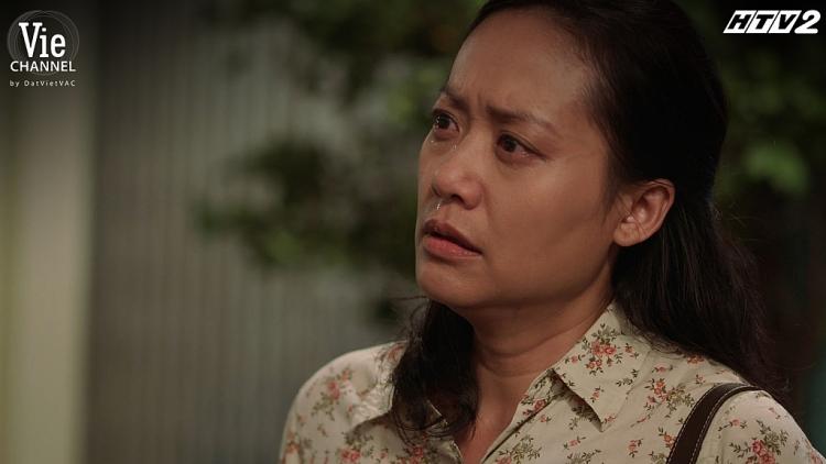 'Cây táo nở hoa' tập 32: Hạnh đưa đơn ly hôn, con gái thì quay lưng khiến Ngọc càng thêm tuyệt vọng giữa lúc bệnh tình trở nặng