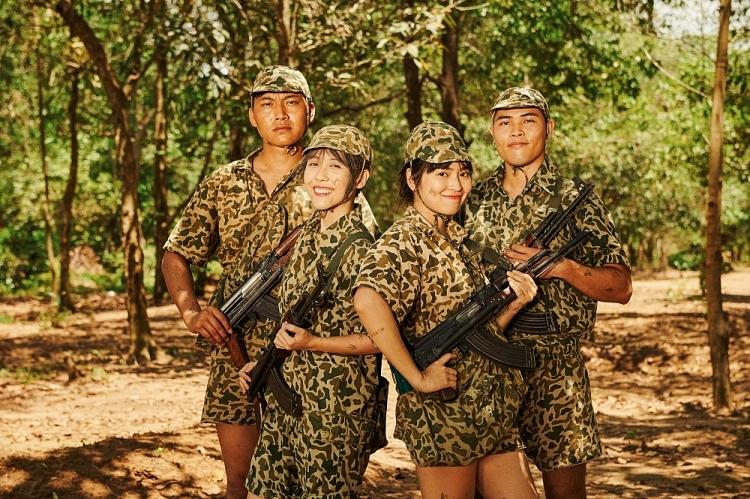 Dàn khách mời tiết lộ cat-xê 'khó tin' được Dương Hoàng Yến trả khi tham gia MV 'Xe anh đến đâu, em theo đến đó'