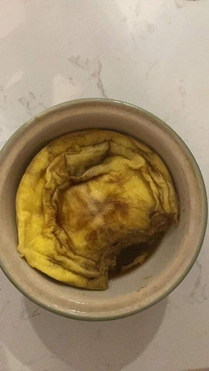 'Run from home': Thúy Ngân vừa nướng bánh trứng, pha trà sữa, vừa squat và cái kết 'đố ai đoán được'!