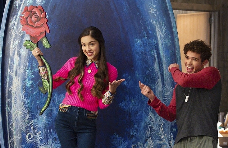 Nữ chính 'High school musical' Olivia Rodrigo tiếp tục gây ấn tượng mạnh với single mới 'The Rose song'
