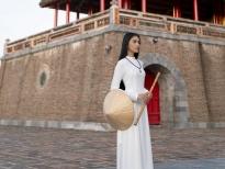Á hậu Trương Thị May hóa 'nàng thơ', thướt tha với áo dài tự may tại kinh thành xứ Huế