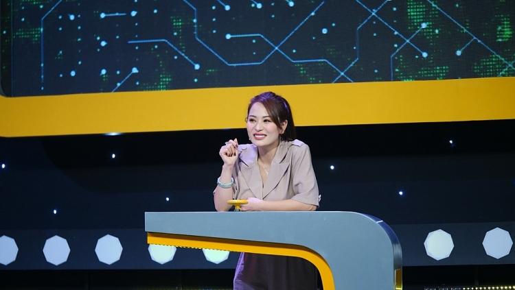 'Người đứng thẳng': Chu Bin - Ánh Linh 'đứng tim' với những vị khách không mời mà đến