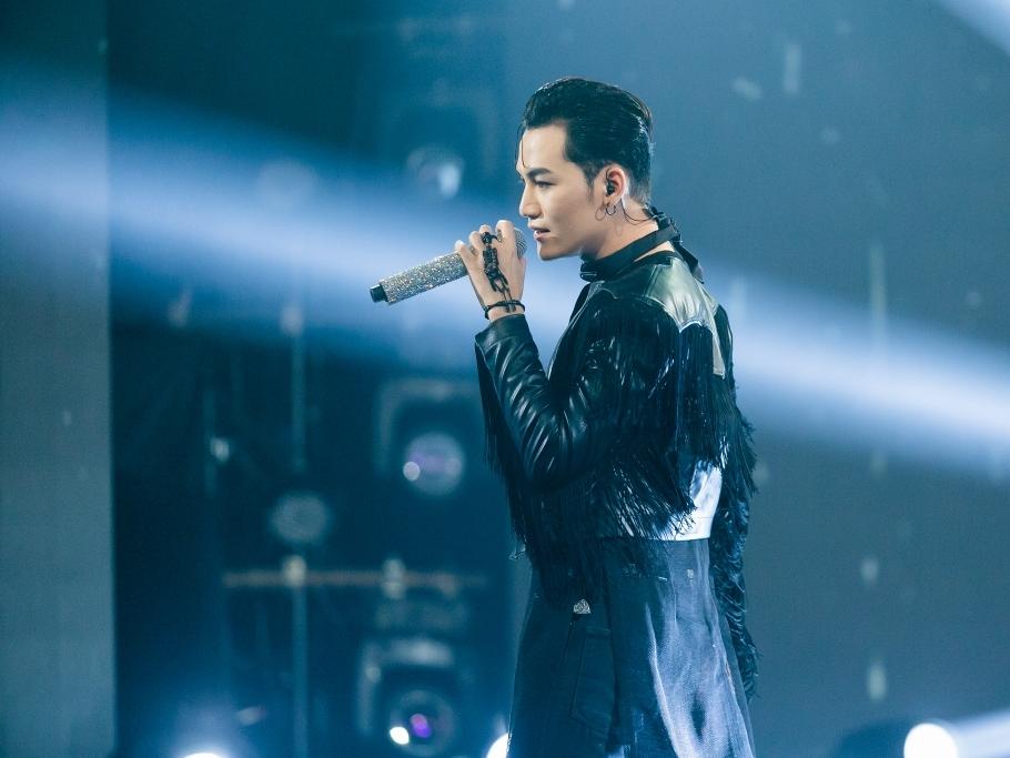 'The Heroes': Ali Hoàng Dương chọn hát đơn hit mới của producer Duck V gây tranh cãi