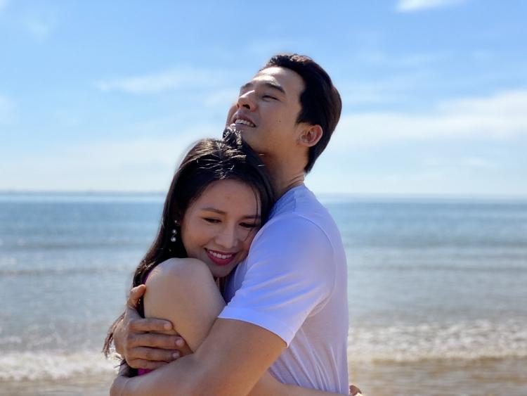 Văn Phượng thoải mái diễn cảnh tình cảm với Lương Thế Thành trong 'Canh bạc tình yêu'