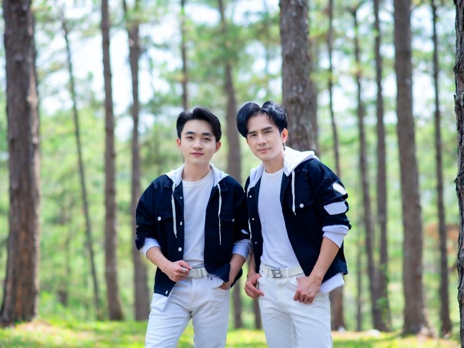 'Sao đổi ngôi' phiên bản 2021 của Đan Trường - Trung Quang: Sang, xịn và hợp trend