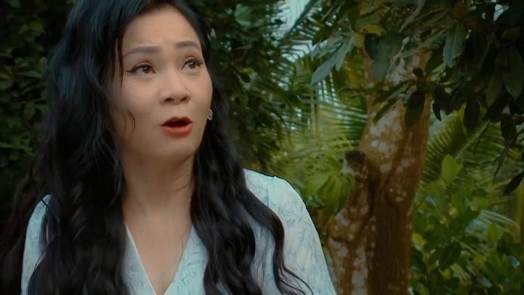 Lê Phương bị Hoàng Trinh đánh ghen gắt nhất phim, bị kéo đâm và tự cầm máu để hoàn thành cảnh quay