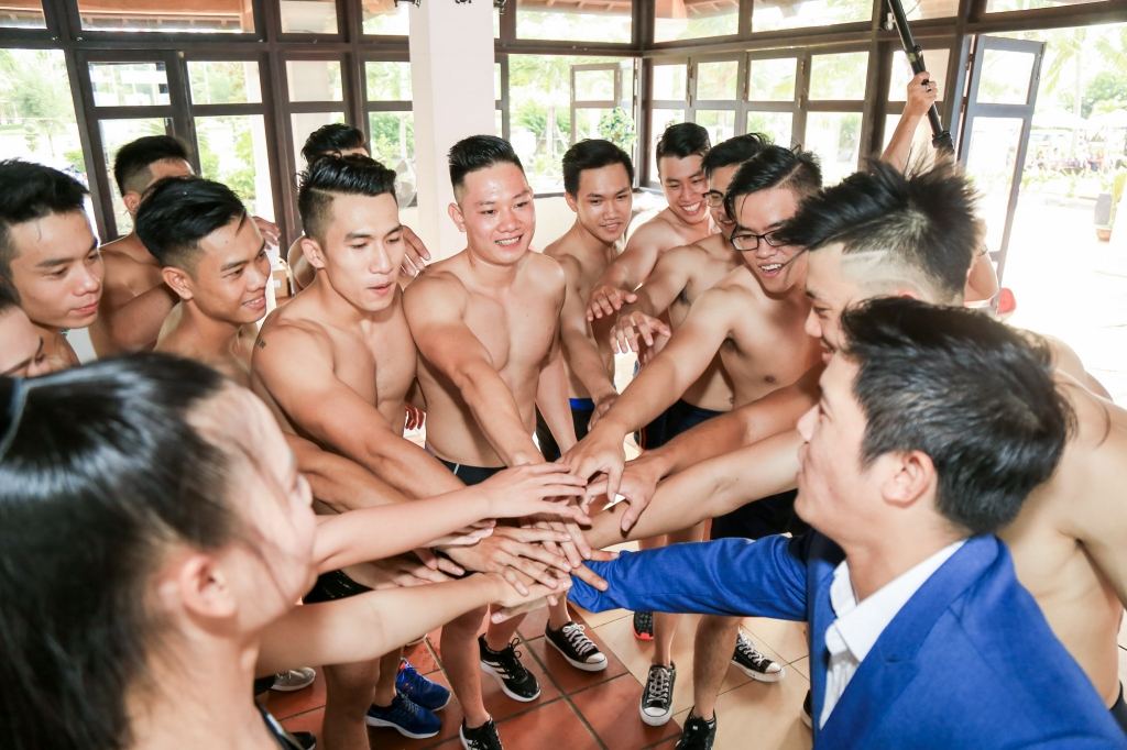 thi sinh mien trung canh tranh khoc liet gianh ve chung ket vietnam fitness model 2017