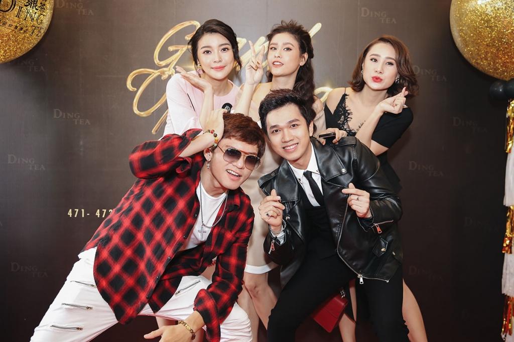 12 gio trua hang chuc sao viet phoi nang khoe giong hat