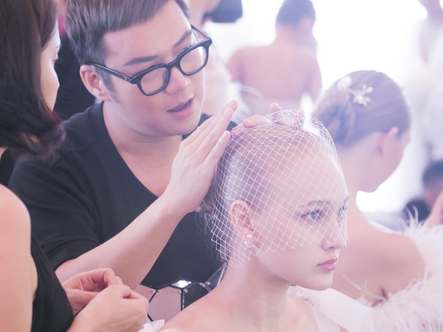 NTK Chung Thanh Phong bật mí 5 điểm thú vị về BST 'Nàng Mây'