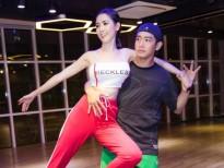 Quang Đăng 'khổ sở' ngày đêm tập luyện vũ đạo cho Phan Thị Mơ đi thi Hoa hậu