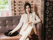 Nàng 'Én Bạc' song ngữ Phương Uyên khẳng định thương hiệu Việt với bạn bè quốc tế