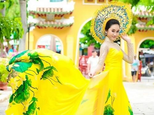 cac thien than nhi dai su ao dai bang thieu nhi dep rang ro trong trang phuc ao dai tu chon
