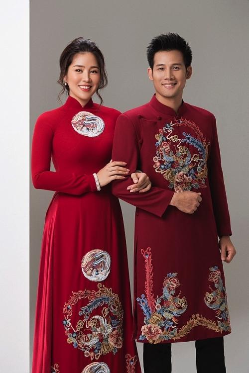 le phuong thanh thuc hoa doi uyen uong trong trang phuc ao dai cua minh chau