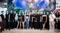 ntk ivan tran hua hen su chuyen bien an tuong tu bst cua tuong lai tai aquafina vietnam international fashion week 2020