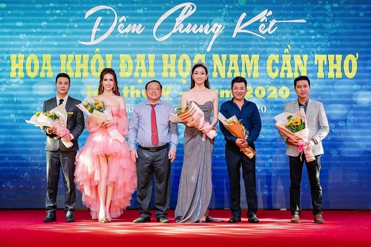 hoa hau phan thi mo dien dam cong chua lam giam khao hoa khoi dai hoc nam can tho
