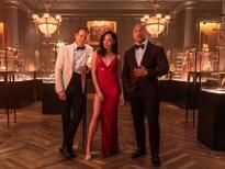 'Red notice' - Cuộc đối đầu giữa mật vụ FBI và tên trộm khét tiếng thế giới chính thức công bố ngày phát sóng 12/11 trên Netflix