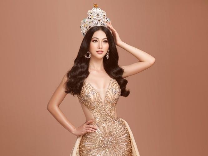 Hoa hậu Phương Khánh ngồi 'ghế nóng' ban giám khảo 'Hoa hậu trái đất Philippines 2021'