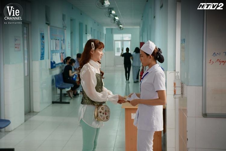 'Cây táo nở hoa' tập 47: Dư bán mạng kiếm tiền để nuôi mẹ, Châu lừa Báu đi xét nghiệm hiến gan