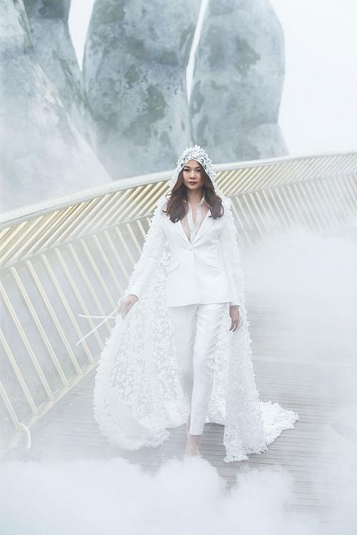 Hành trình theo đuổi ước mơ nghệ thuật của 'The Fashion Voyage'