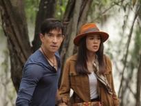 Cặp đôi nam thần đình đám Louis Scott và nữ diễn viên xinh đẹp Yam 'gây sốt' trong bộ phim Thái Lan giả tưởng 'Vùng đất huyền bí'