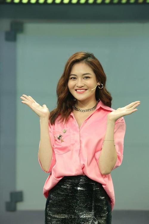 'Trốn' Hoàng Mai Anh, JayKii bất ngờ 'sánh đôi' hotgirl khác tại 'Chọn đâu cho đúng'