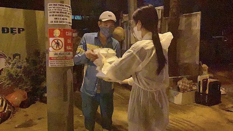 Hoa hậu Đỗ Mỹ Linh, Lương Thùy Linh, Đỗ Hà tham gia chiến dịch 'Triệu bữa cơm - Hà Nội nghĩa tình'