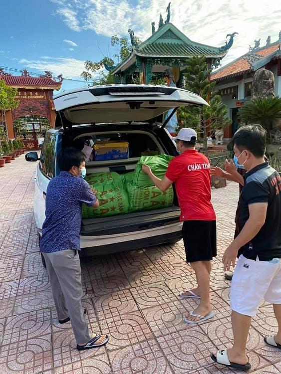 Lâm Vũ và Hội thiện nguyện Chân Tình: Thành phố giãn cách - nơi nào cần là nơi đó có mặt!