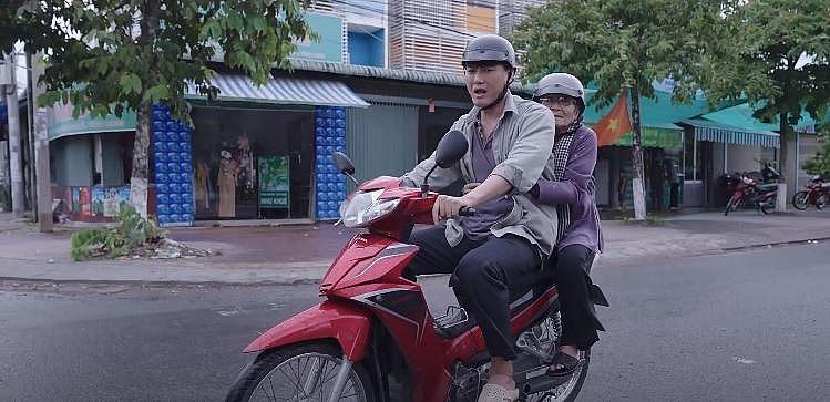 'Phim ngắn cuối tuần': Nghệ sĩ Phi Điểu, Quách Ngọc Tuyên kể câu chuyện về người mẹ già nhiều xúc động